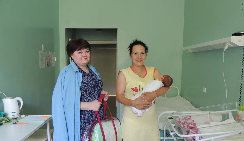 В Снежинском городском округе более 290 семей получили подарки новорожденным